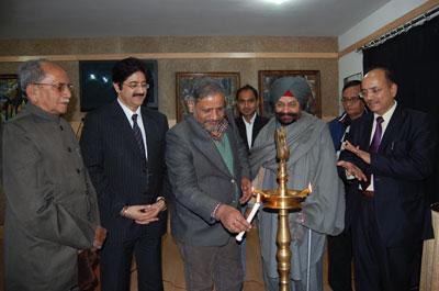 L to R : Dr. Madhukar Gangadhar, Sandeep Marwah, A.S. Bedi, R.K Singh and N.K Singh