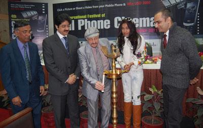 L to R : Kalyan Sarkar ( Dean AAFT), Sandeep Marwah ( President AAFT), Prof. Karl Bardosh ( Prof Tisch School of Arts NY), Ms. Sanjana Jon ( International Fashion Designer) and Ansul Chaturvedi ( Chief Editor- Delhi Times)
